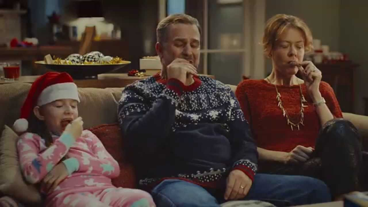 McVitie's: Victoria Christmas Choir TV Ad
