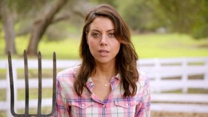 Newcastle: Band of Brands Ad starring Aubrey Plaza