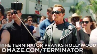 Arnold Schwarzenegger: Pranks Fans as the Terminator
