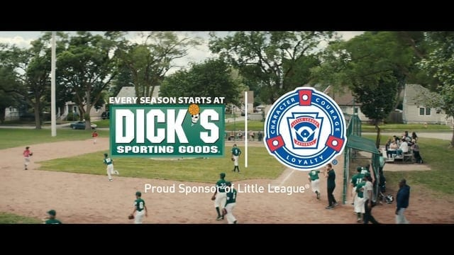 DICK'S Sporting Goods: Team Photo
