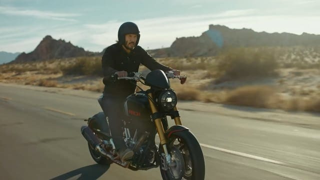 Squarespace: Here's Why Keanu Reeves Did - 2018 Super Bowl Commercial