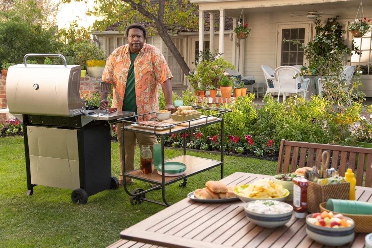 Leslie David Baker fires up the grill in the ScottsMiracle-Gro Super Bowl ad.