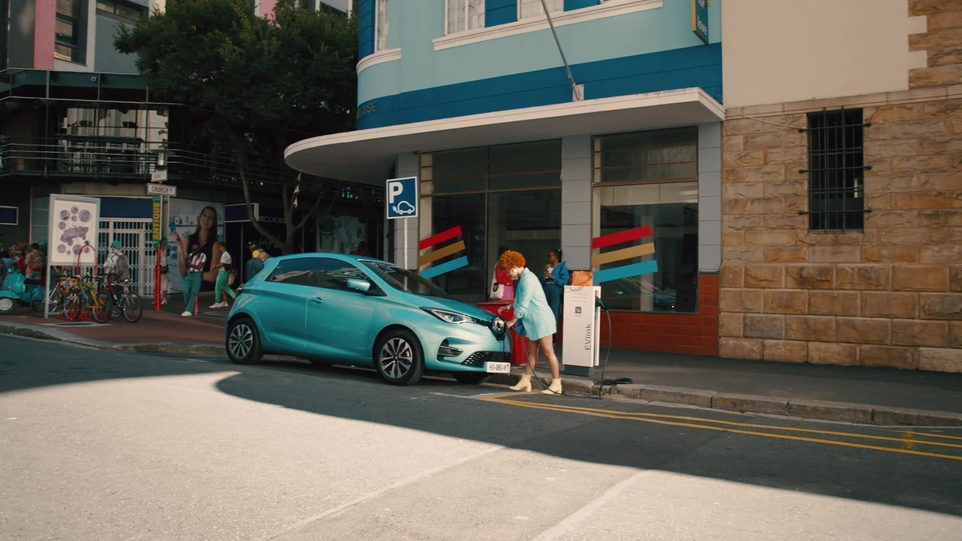 2021 – Renault ZOE advertising campaign – The Chase & Leaving the nest