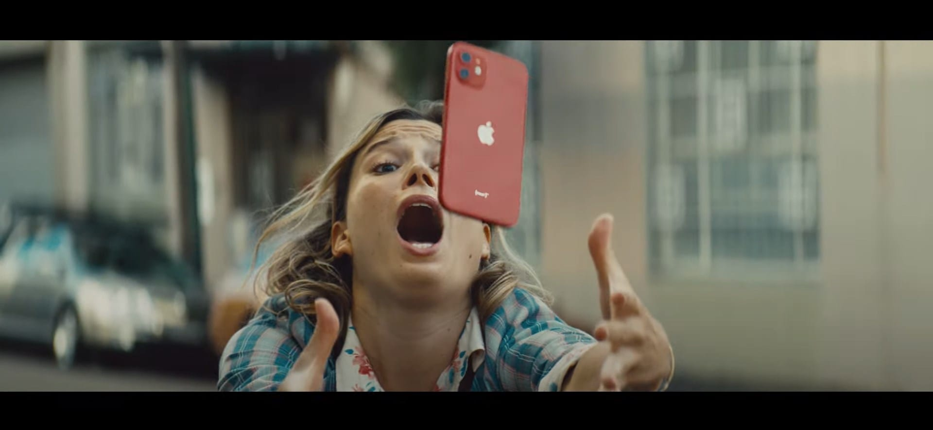 Apple iPhone 12 Fumble Cook advert